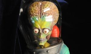 Real_Frightening_Face_Alien_Head_Mars_Attacks-01md